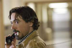 On the set of Zodiac, no doubt saying something hilarious in the style of Robert Downey Jnr.